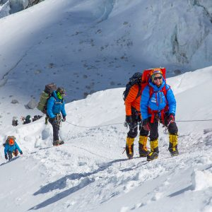 On the route above the icefall toward Camp 1