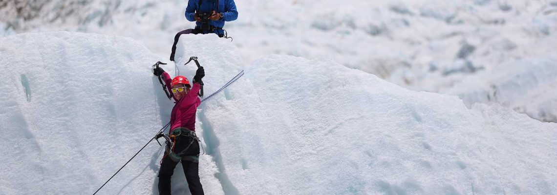 everest snow climbing practice