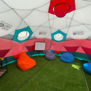 Everest Lounge