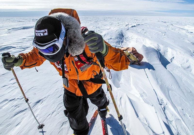 Polar Travel